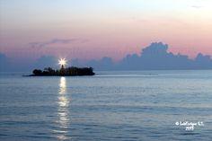 Faro de La Isla de Sacrificios  -  Veracruz - México by Luis Enrique Gómez Sánchez on 500px