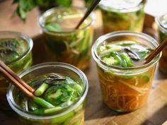 Molly Yeh - Homemade Noodle Cups Recipe from Food Network Ramen Recipes, Top Recipes, Asian Recipes, Cooking Recipes, Oriental Recipes, Asian Foods, Lunch Recipes, Vegetarian Recipes, Gourmet