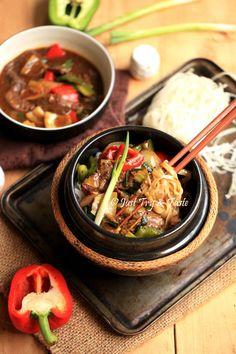 Just Try & Taste: Resep Kwetiaw Sapi Lada Hitam Indonesian Cuisine, Indonesian Recipes, Asian Recipes, Ethnic Recipes, Yummy Recipes, Malay Food, Rice Pasta, Food Tasting, Chicken Recipes