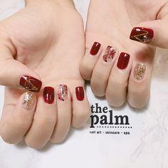 Pin von Anh Đặng auf Nail Art im Jahr 2019 New Year's Nails, Red Nails, Swag Nails, Korean Nail Art, Korean Nails, Palm Nails, New Years Nail Art, Short Nails Art, Pretty Nail Art