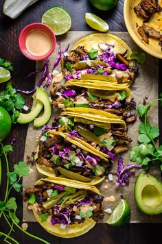 Let's Food in Love — Mushroom Carnitas Tacos. Recipe in the comments. Vegetarian Tacos, Vegetarian Recipes, Cooking Recipes, Savoury Recipes, Mexican Food Recipes, Dinner Recipes, Ethnic Recipes, Mushroom Tacos, Carnitas Tacos