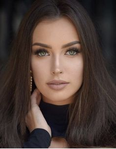 Cute Brunette, Brunette Beauty, Most Beautiful Eyes, Stunning Eyes, Pretty Eyes, Cool Eyes, Girl Face, Woman Face, Bridal Makeup Images