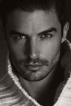 Beautiful Eyes, Gorgeous Men, Hommes Sexy, Book Boyfriends, Raining Men, Attractive Men, Good Looking Men, Male Beauty, Bearded Men