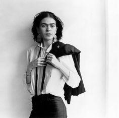 An unusually contemporary photo of Frida Kahlo