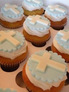 first communion topper cake & cupcakes. D to make orange buns & me to do rest. Once cooked put in blue striped cups Baptism Cupcakes, Baptism Cookies, First Communion Cakes, First Holy Communion, Religious Cakes, Confirmation Cakes, Cupcakes For Boys, Gateaux Cake, Celebration Cakes
