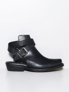 dd40c523 mimi boot Designer Clothes For Men, Sport Fashion, Chelsea Boots, Mens  Designer Clothing