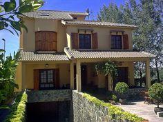 Villa en Lucena (Córdoba). Realizamos desde el diseño hasta la entrega llave en mano.