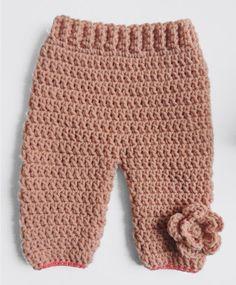 pantalon crochet pour bebe fille avec grosse fleur