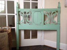Cute Mint Green Twin headboard. Annie Sloan's Antibes green, old white and duck egg mixes together!