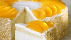 New Easy Cake : Quark-Pfirsich-Torte - smarter - Zeit: 1 Std. Baked Meringue, Meringue Cake, Peach Cake, Sponge Cake Recipes, Pie Cake, Pastry Cake, Sweet Cakes, Cream Cake, Cupcake Cakes