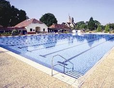 Outdoor swimming at Guildford Lido
