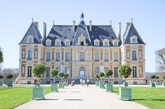 How to visit Château de Sceaux on a day trip from Paris - a top Paris day trip.