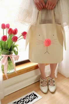 Easter Bunny Tote - Free DIY and Template + 17 Easter Sewing Projects