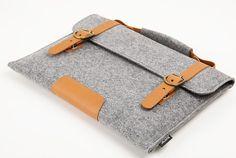 f8931b5cc2 Felt Bag With Vegetable Leather Handle Briefcase by JulyLife Moda Femenina