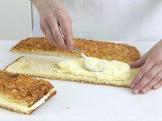 Bienenstich-Rezept zum Selbermachen - bienenstich-buttercreme Rezept Baking Recipes, Cake Recipes, German Baking, Cocktail Desserts, Cooking Cake, Sweet Bakery, Sweet Bread, No Bake Desserts, Cake Cookies