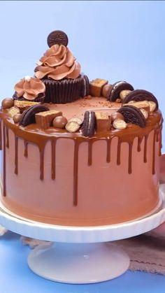 Creative Cake Decorating, Cake Decorating Techniques, Creative Cakes, Fun Baking Recipes, Cake Recipes, Dessert Recipes, Cute Desserts, Delicious Desserts, Chocolate Birthday Cake Decoration
