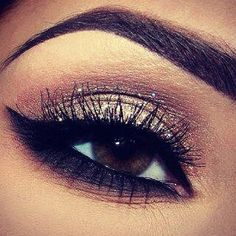 Don't know if I'd be daring enough to try that dark and think of a bottom lash line. Who knows...Maybe one day