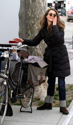 Keri Russell: well i didn't realize how much i like kerri russell's style, but she has great taste, and a great bike.