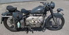Condor ex-Swiss army. I dont want to work on it, but i want it. Motorcycle Images, Motorcycle Design, Motorcycle Manufacturers, Stand Strong, Moto Guzzi, Classic Bikes, Sidecar, Swiss Army, Boxers