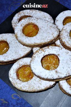 Les sablés lunette en version de Pâques car ils sont en forme d'œuf et fourrés à la confiture d'orange. #recette#cuisine#sables #biscuit #oeufdepaques #paques#patisserie Jam Cookies, Shape