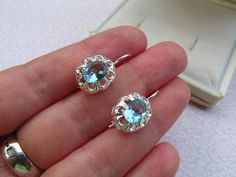 Kék köves ezüst fülbevaló - Ékszer   Galéria Savaria online piactér - Antik, műtárgy, régiség vásárlás és eladás Diamond Earrings, Sapphire, Bling, Jewelry, Jewel, Jewlery, Jewerly, Schmuck, Jewels