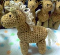 Tejidos Thina: PATRÓN CABALLITO AMIGURUMI Crochet Horse, Crochet Animals, Crotchet, Diy And Crafts, Dinosaur Stuffed Animal, Lily, Teddy Bear, Horses, Dolls