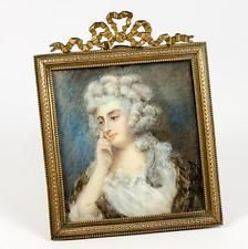 Antiguo Francés Retrato En Miniatura De Marie Antoinette, Arco Top Dore Bronce Marco