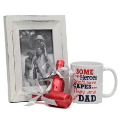 The 3.5x3 inches white ceramic mug that features a beautiful message for your dad, a 8.3x6.3 inches photo frame to treasure the nostalgic memories and 2 bottles containing chocolates to make the occasion of father's day a sweeter one. Gift this wonderful combo to your dad and make him feel special. http://www.giftsbymeeta.com/beautiful-combo-gifts2276
