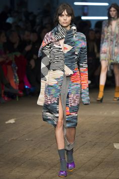 Missoni Fall 2016 Ready-to-Wear Fashion Show  http://www.theclosetfeminist.ca/  http://www.vogue.com/fashion-shows/fall-2016-ready-to-wear/missoni/slideshow/collection#4