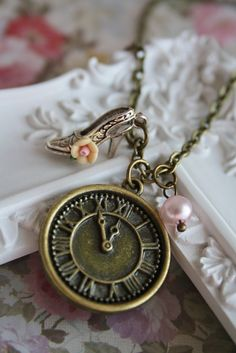 Cinderella vintage charm necklace, clock high heel pendant, bronze antique, retro cute jewellery