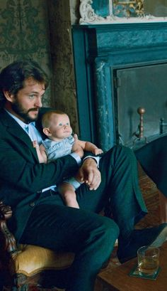 Hugh Dancy and his son stealing womens hearts