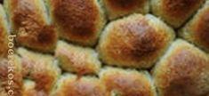 Heerlike deegbolletjies vir braaivleis | Boerekos – Kook met Nostalgie Braai Recipes, Cooking Recipes, Campfire Food, South African Recipes, Types Of Food, Outdoor Cooking, Scones, Side Dishes, Bbq