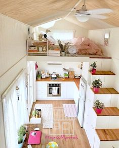 """15.5k Likes, 139 Comments - Tiny Houses (@tinyhouse) on Instagram: """"Yes yes yes. I've always been so impressed with how well @tinymissdollyonwheels utilizes her…"""""""