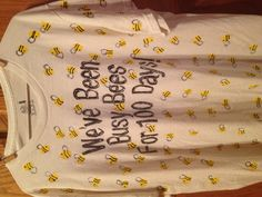 """100 days of school """"we've been busy bees for 100 days!"""" 100 days of school we've been busy bees for 100 days! 100th Day Of School Crafts, 100 Day Of School Project, 100 Days Of School, School Holidays, School Projects, School Shirt Designs, School Shirts, Elementary Education, Kids Education"""