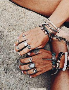 Simple Jewelry, Cute Jewelry, Boho Jewelry, Jewelery, Jewelry Accessories, Piercings, Looks Hippie, Surfer Girl Style, Vsco