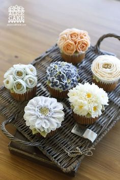 ornate floral cupcakes by alice cakes
