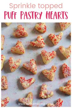 How to make cute and easy sprinkle puff pastry hearts - easy Valentines Recipe for Kids #EatsAmazing #ValentinesDay #Valentines #PuffPastry #EasyRecipe #CookingWithKids Valentines Treats Easy, Valentines Day Treats, Puff Pastry Hearts Recipe, Yummy Treats, Sweet Treats, White Chocolate Fudge, Cute Food, Frozen Yogurt, Recipe Collection