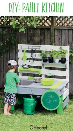 Upcycle those pallets into a kids mud kitchen #OHbaby   #lifestyle #parenting  #crafts #mudkitchen #outdoors Outside Playground, Natural Playground, Backyard Playground, Backyard Plan, Backyard For Kids, Backyard Projects, Backyard Landscaping, Bobo Garden, Outdoor Play Areas