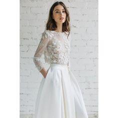"451 Likes, 4 Comments - TWF (@today.world.fashion) on Instagram: ""لباس عروسزیبا نیست؟ #لباس_عروس #ساده_کامل_شیک #سفید #دخترانه#ایده_جهت_طراحی_لباس"""