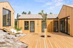 Bygga utekök själv | Byggahus.se Amazing Architecture, Shed, Outdoor Structures, House Design, Contemporary, Interior Design, House Styles, Outdoor Decor, Cabins