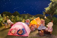 Stargazing in Sylvania! Calico Critters Families, Critters 3, Sylvanian Families, Family World, Cute Toys, Happy Fun, 2nd Birthday Parties, Classic Toys, Stargazing
