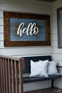 31 Stunning Porch Wall Decoration Ideas - With warmer weather arriving, it is time to start thinking about how to decorate your porch. Creating a comfortable look and feel can be achieved with. Porch Wall Decor, Diy Porch, Room Decor, Front Porch Decorations, Outside Wall Decor, Porch Wood, Fromt Porch Decor, Diy Front Porch Ideas, Front Porch Makeover