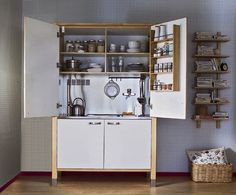 Radical Downsizing: High/Low Mini Kitchens by Julie. A mini kitchen created with Varde components from Ikea.