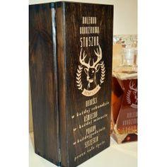 Karafka w pudełku z grawerem orzech