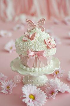 Cupacake Cupcake Cake smash first birthday Baby Girl Shower Baptism Christening Bow Girl Party Butterfly Butterflies Cupcakes Cupcakes Bonitos, Cupcakes Lindos, Pretty Cupcakes, Beautiful Cupcakes, Giant Cupcakes, Yummy Cupcakes, Bow Cupcakes, Wedding Cupcakes, Valentine Cupcakes