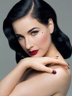 Dita Von Teese, flawless vintage makeup