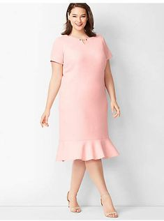 Shop Talbots for modern classic women's styles. You'll be a standout in our Dobby Shift Dress - only at Talbots! Womens Fashion Stores, Womens Clothing Stores, Classic Style Women, Classic Looks, Plus Size Petite Dresses, Nice Dresses, Casual Dresses, Classy Chic, 1950s Fashion