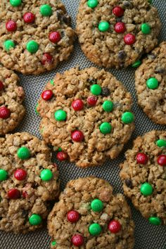 Christmas M&M Monster Cookies are gluten free and made with butter, peanut butter, sugar, Instant Quaker Oats, chocolate chips & of course. Christmas M&ms, Christmas Treats, Christmas Cookies, Christmas Desserts, Oatmeal Cookies, No Bake Cookies, Cookies Et Biscuits, Oatmeal Cake, Baking Cookies