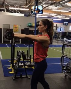 "Alexia Clark ""Gun Show Sunday 15 reps each 10 reps each 10 reps each arm 4 rounds! Biceps And Triceps, Back And Biceps, Dumbbell Workout, Tri Workout, Workout Fitness, Lulu Lemon, Bora Malhar, Alexia Clark, Fitness Motivation"
