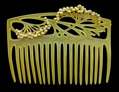 Louis Aucoc, Carved horn comb with pearls, c.1905